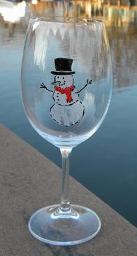 How to make Etched and Painted Christmas wine glasses. www.DIYeasycrafts.com