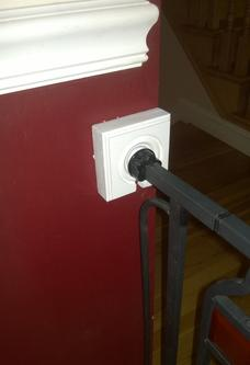 DIY Child Safety gates secure mounting bracket. FREE step by step instructions. www.DIYeasycrafts.com