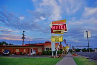 KANAB MOTEL | SUN -N- SAND MOTEL NEAR ZION UTAH | Affordable Rooms Near Zion National Park, Grand Canyon, Bryce, The Wave & Buckskin Gulch