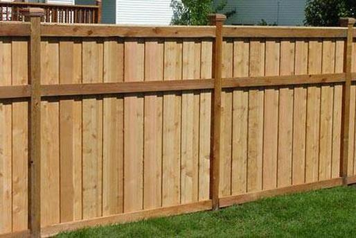 Excellent Wood Fence Contractor in Council Bluffs IA | Lincoln Handyman Services