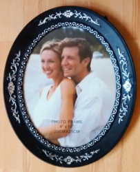 "Black Oval 8""x10"" Photo Frame"