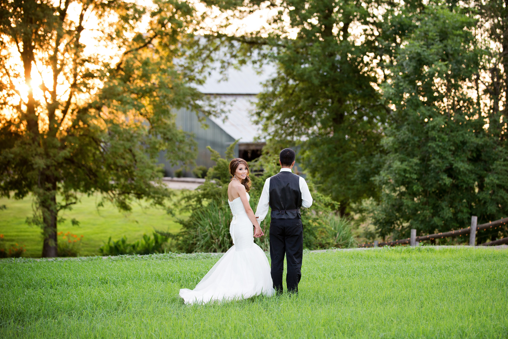 Welcome to Postlewait\'s Country Weddings
