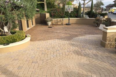 concrete paver driveway cleaning and sealing