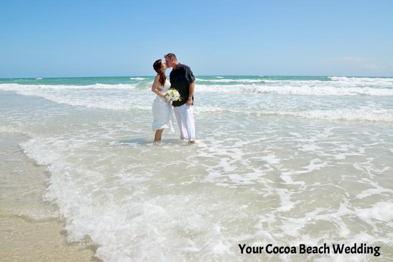 f0e221372f554bbca59f43ed256fadfe?AccessKeyId=FC90043A441603B34C0A&disposition=0&alloworigin=1 - cocoa beach wedding