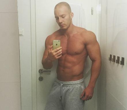 muscle guy webcam, webcam men