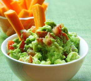 Guacomole, dip, healthy dips, snacks, nutrition, healthy lifestyle, FormMe recipes, FormMe ebooks, Nutrition,