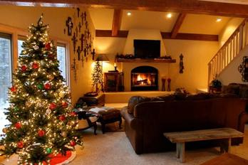 Christmas and holiday lodging packages and availability