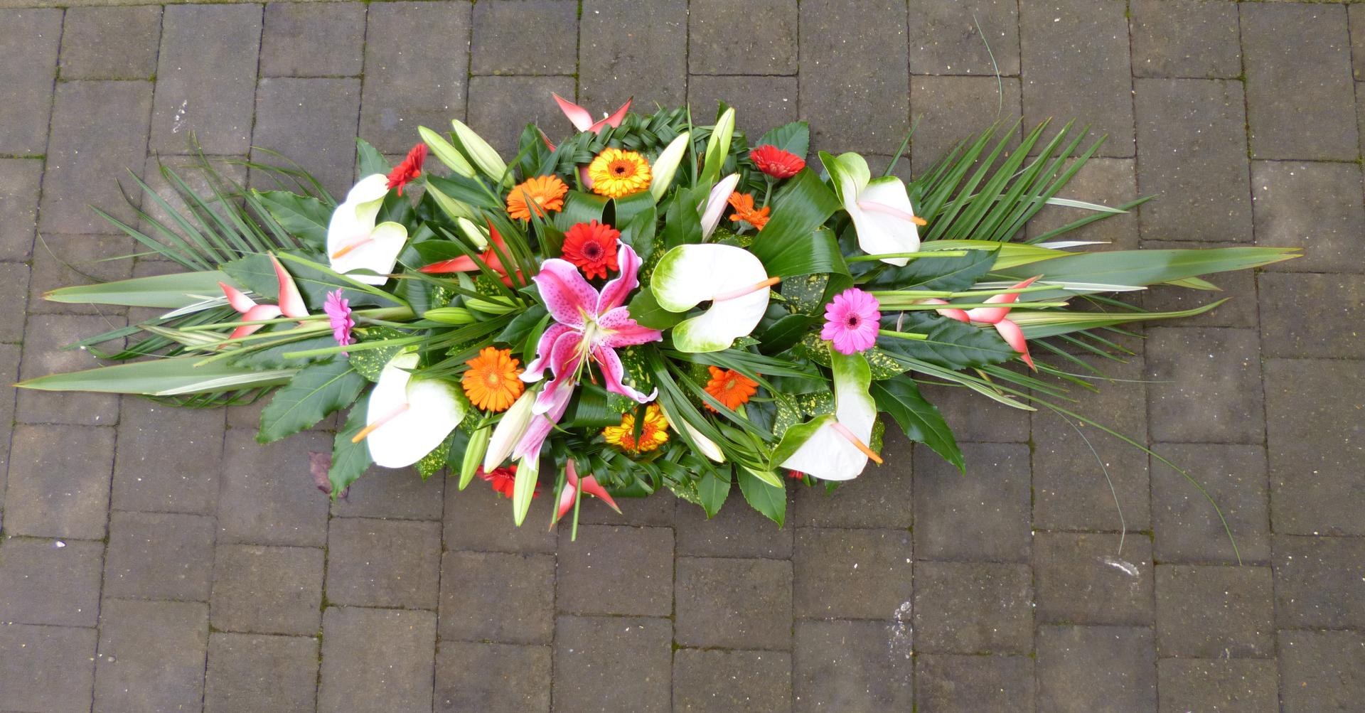 Bespoke funeral flowers thanks ever so much for the funeral flowers they looked lovely on the day jodie hurd april 2015 izmirmasajfo