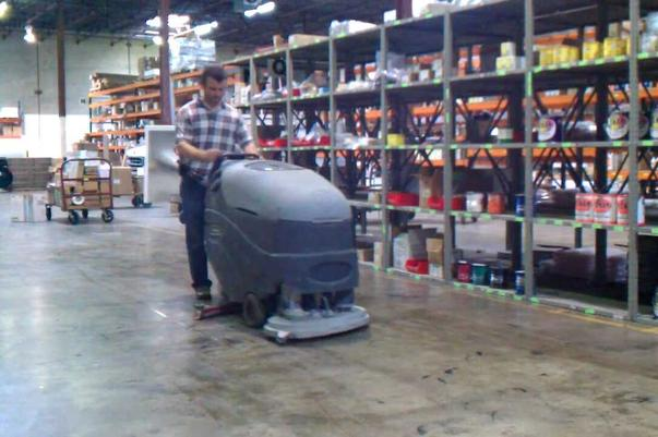 Most-trusted Warehouse Cleaning Services and Cost in Omaha NE | Price Cleaning Services