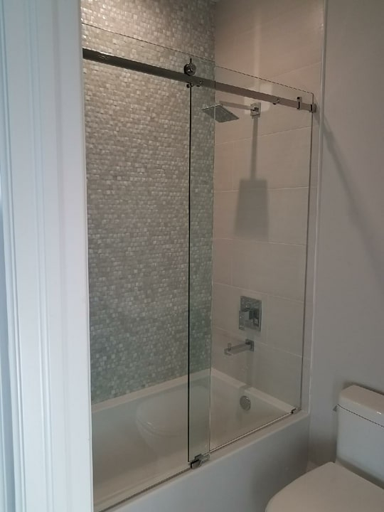 Heavy Glass Shower Doors And Tub Enclosures