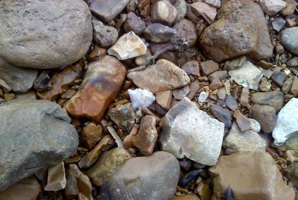 how to find arrowheads in rivers