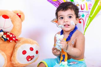 CAKE SMASH PHOTOGRAPHERS DELHI NCR
