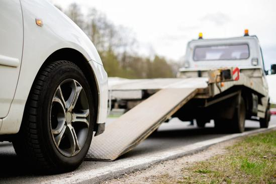 EMERGENCY ROAD SIDE ASSISTANCE IN WEEPING WATER NE – 724 TOWING SERVICE OMAHA When you're stuck on the highway, we'll come to your rescue - fast!