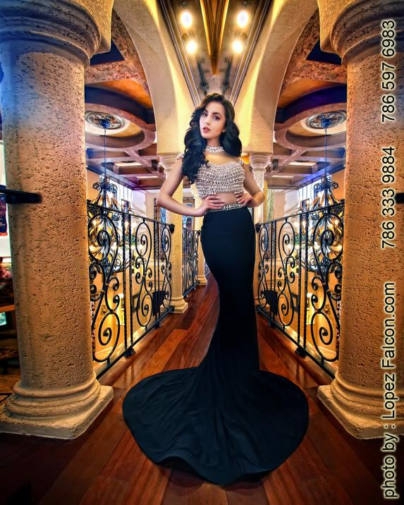 Villa Toscana Estates Blanca Doyle manager quinceanera photographers in miami quinces photo Shoot sweet 15 studios Quinces Miami Homestead