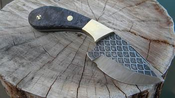 DIY Skinner Knife from precut high carbon steel knife blanks. FREE step by step instructions. www.DIYeasycrafts.com