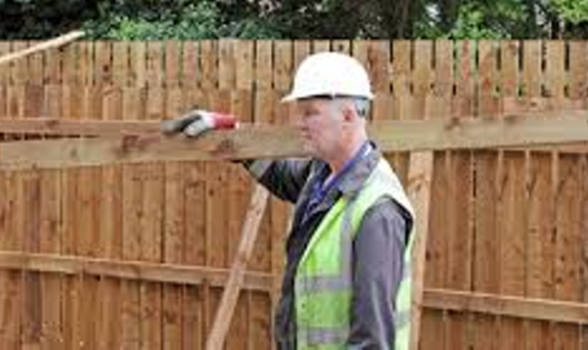Leading Fence Construction and Repair Services| Lincoln Handyman Services
