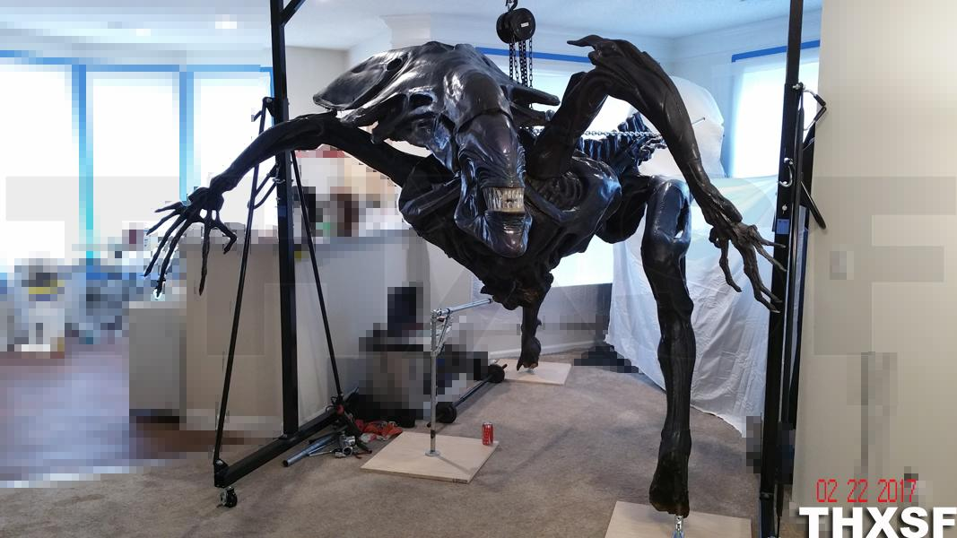 Life Size Queen Alien