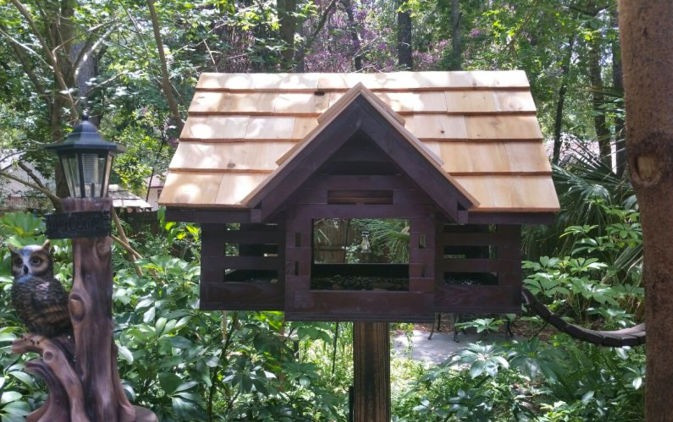 Bird Feeder Cabin