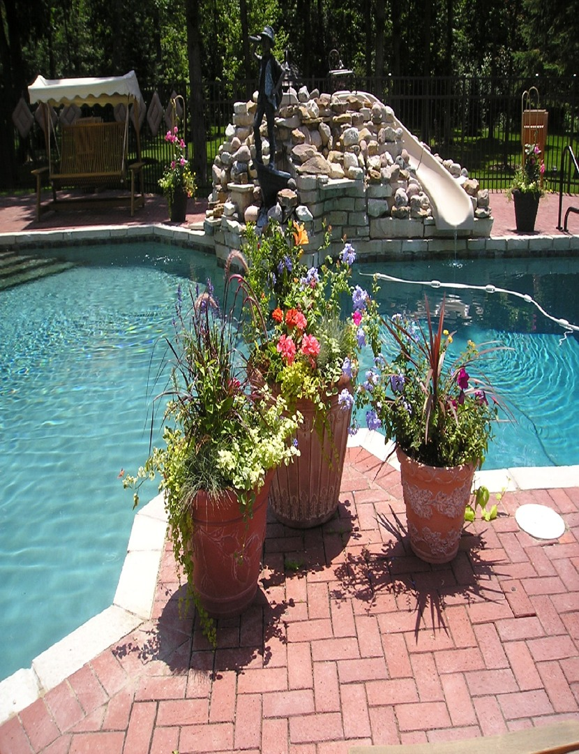 Potted Gardens Container gardens workwithnaturefo
