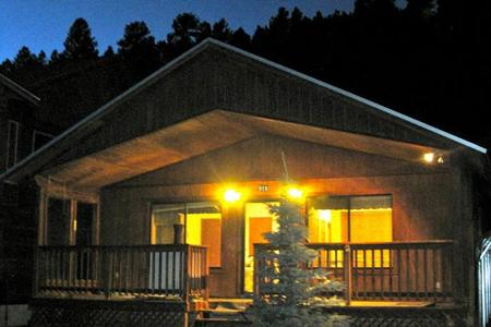 Adorable Cabin on River- 4 nights $499- Red River Vacation Discount