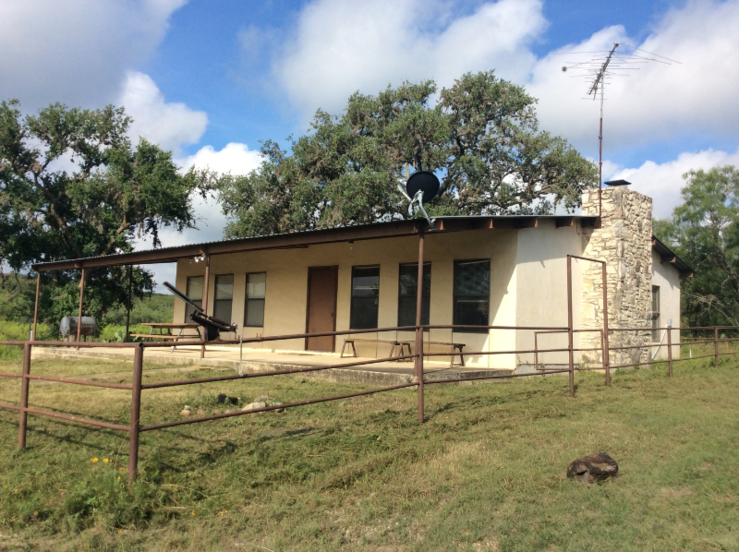 Best dove hunting in south texas near san antonio dove for Hunt texas cabins