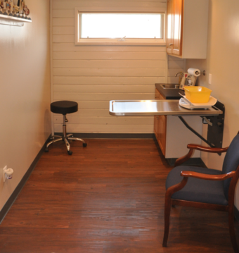 Examination room #3 of Cincinnati Hills Animal Clinic Montgomery Road location