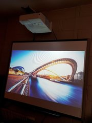 NEC UM280x Projector & Smartboard Package