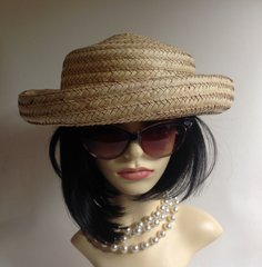 Liz Claiborne 100% Straw Ladies Racing Dress Holiday Hat With String Bead Detail