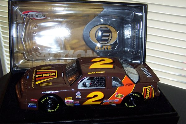 2003 Elite 1/24 #2 SAI Roofing 1987 ASA Ford Tbird Mark Martin CWC