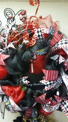 Holiday Wreath Black Red and White