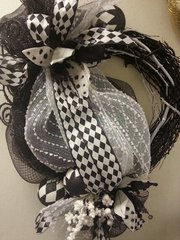 Holiday Wreath Black & White Jester