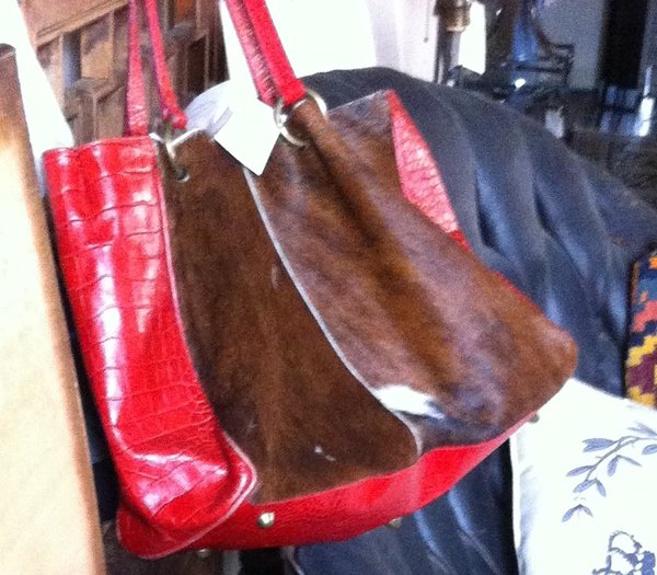 Maurizio Taiuti Handbag in Red Embossed Leather with Calf Hair, Brass Feet