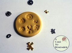Tiny charms, bows and jewels mold for cake decorating and cupcake decorating. Cake pops decorations. M5022
