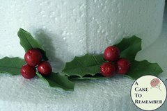 Gumpaste holly leaves and holly berries for cake decorating