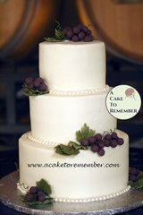 Gumpaste grapes and leaves for wedding cake, DIY wedding cake decorations