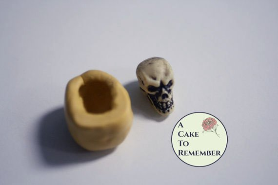 Little skull mold for gumpaste and cake decorating or cupcake decorating. Halloween cakes decorations, polymer clay. M5020