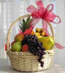 'RECOMMEND A FRIEND' FREE FRUIT GIFT BASKET.