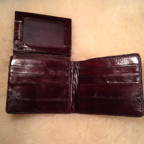 Men S Bifold Wallet Large Tile Brown Alligator Wallets