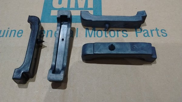 4 Core Radiator Core Support Rubber Cushions 68