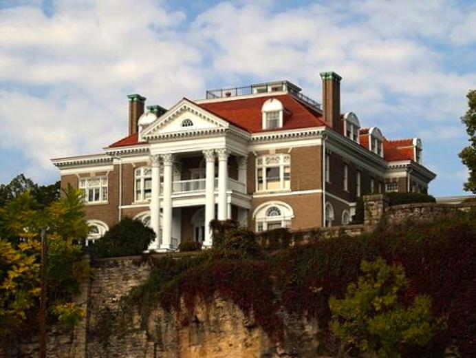 Rockcliffe Mansion in Hannibal Missouri