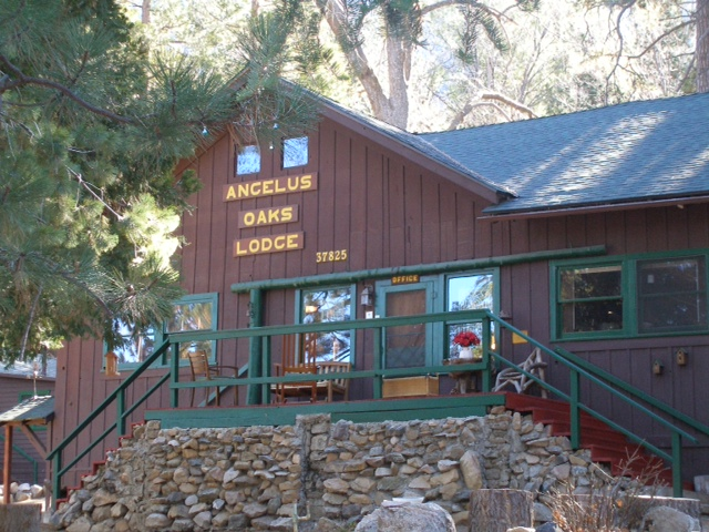 ferry indoor bounce bear with rental cabin and points from showers cabins rentals adventure hot our mountain bathhouse walking pillow market scenic plumbing distance center harpers overlook multiple inside at