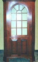 One-piece-round-door Corner Cupboard