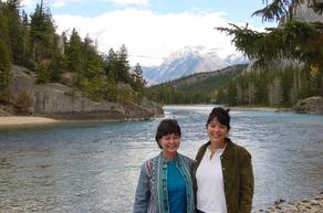 Lindy Cook Severns with sister Kathy in the Canadian Rockies