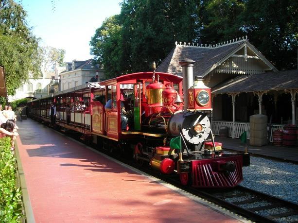 Disneyland Forney Locomotive No. 5, Ward Kimball, rolls into New Orleans Square Station. July, 2007.