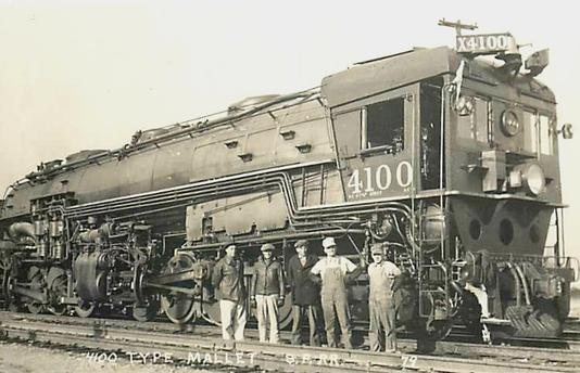 Southern Pacific AC-4 No. 4100 and crew.