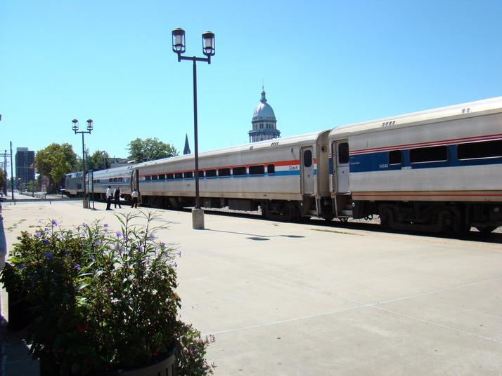 Amtrak's Ann Rutledge in Springfield, Illinois. A GE Genesis leads the train, with an Amfleet coach and two Horizon Fleet coaches visible.