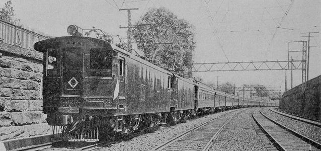 New York, New Haven and Hartford EP-1s pulling a 15-car train, circa 1911.