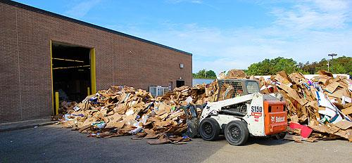 We are equipped to handle scrap material delivered to us in compactor boxes and open-top containers.