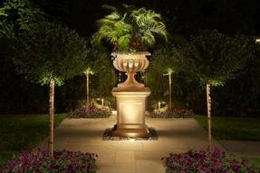 California Turf & Landscaping: Landscapers and landscaping design company - picture with link to lighting and more gallery