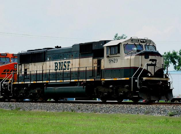 BNSF Railway No. 9819, an EMD SD70MAC 9819 in January 2008.